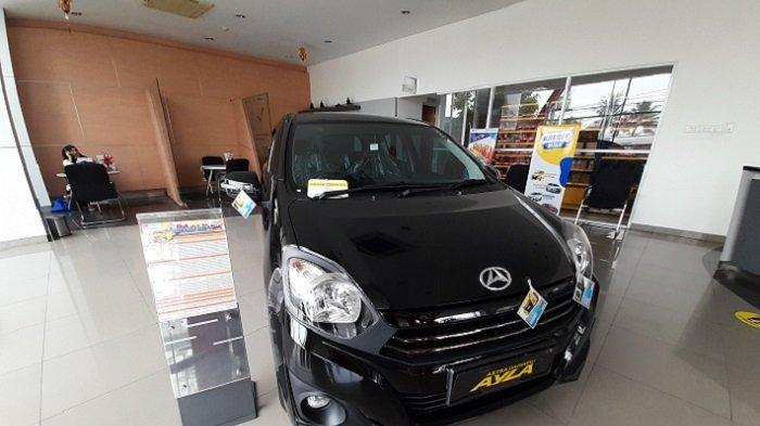 Daihatsu Ayla di diler PT Astra International Daihatsu Cabang Serang, Jalan Jenderal Sudirman nomor 45, Cipocok Jaya, Kota Serang, Sabtu (22/5/2021).
