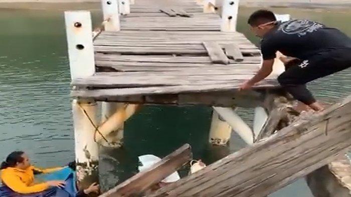 Jembatan Dermaga Cidaon di Ujug Kulon Ambruk, Balai TNUK Sebut Tak Ada Anggaran untuk Perbaikan
