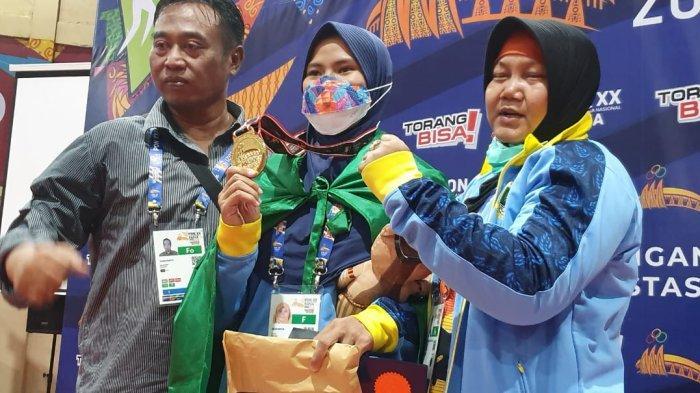 Detik-detik Desi Shintia Pegulat Asal Banten Meraih Medali Emas di PON XX Papua