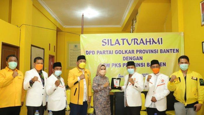 DPW Partai Keadilan Sejahtera (PKS) Banten bersilaturahmi ke kantor DPD Partai Golkar Banten, Jumat (21/5/2021).