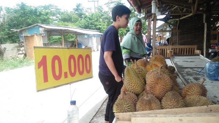 Durian Rp 10.000 di Cikande Kabupaten Serang Cepat Habis Diserbu Pembeli