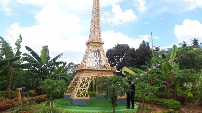 Miniatur Menara Eiffel di Ecofarm Kampung Baru Tangerang, Punya Spot Foto Keren Serasa di Paris