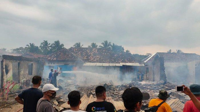 Empat rumah warga di Kampung Lebak Pinang, Desa Lebakasih, Kecamatan Curugbitung, Kabupaten Lebak, Banten, hangus terbakar pada Selasa (4/5/2021).