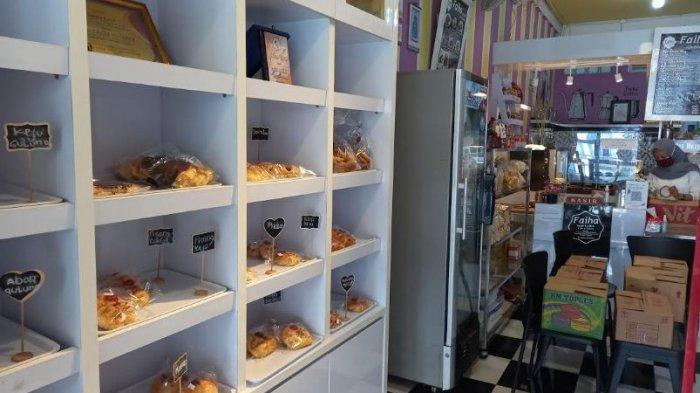 Pernah di PHK, Frida Sukses Menjadi Pengusaha Kue dan Roti dan  Memiliki Kios Sendiri