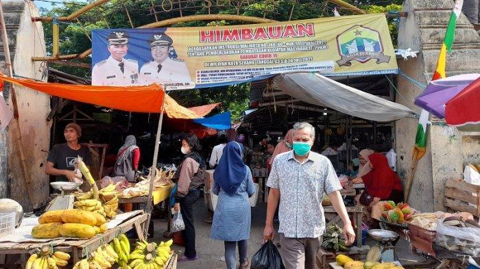 Masih Berjualan di Area Pasar Taman Sari, Pedagang Minta Relokasi Ditunda hingga 10 Oktober