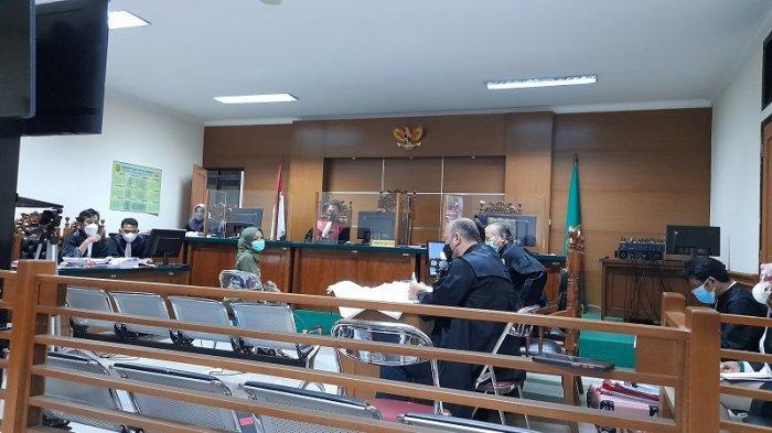 Sidang Kasus Korupsi Masker di Banten, Hakim Tegur Kadinkes Ati Pramudji: Jangan Bicara Begitu!