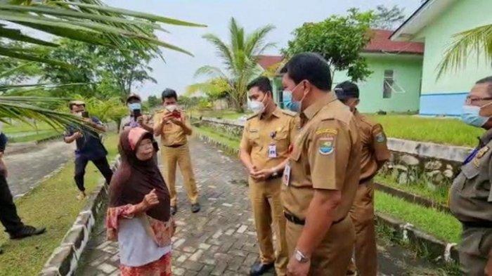 Amat Pilu, Wanita Lansia Ini Hidup Sebatang Kara di Pos Ronda Tangerang, Jadi Pemulung Demi Makan