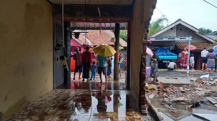 Banjir Bandang Terjang Kampung Rocek Pandeglang, 14 Rumah dan 1 Pabrik Tahu Rusak