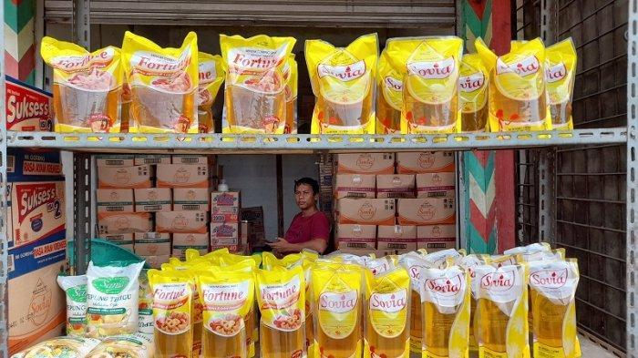 Stok Berkurang, Harga Minyak Goreng di Pasar Rau Naik