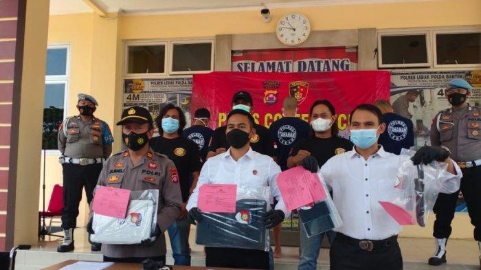 Diberi Hadiah Timah Panas, Pelaku Begal Dua Mahasiswa Rangkasbitung Tersungkur di Depan Rumah