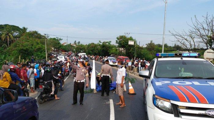 Gagal Nyalip di Jalan Raya Serang-Tangerang, Pemotor Meninggal Dunia Usai Masuk Kolong Dump Truk