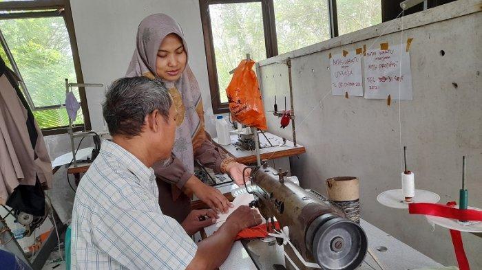 Kisah Inspiratif Anak Penjual Baju Kaki Lima: Mulai Bisnis Pakaian hingga Sukses Ekspor Produk