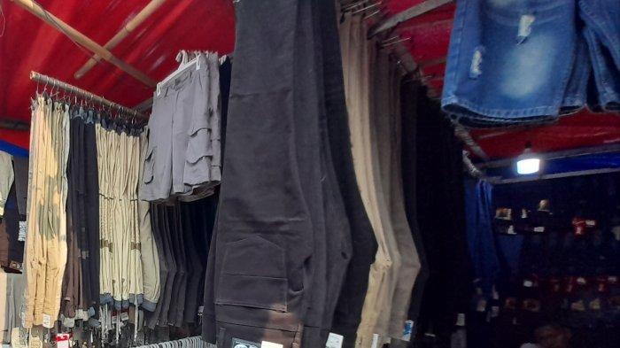 Kawasan Pasar Royal Serang Padat Jelang Lebaran, Sejumlah Warga Abaikan Prokes