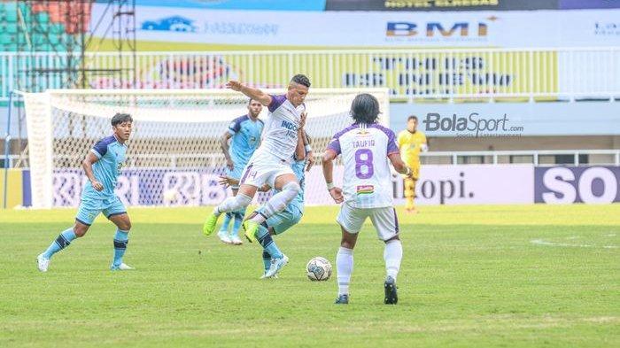 Hasil Persela vs Persita: 10 Pemain Pendekar Cisadane Menang di Pakansari, Masuk 3 Besar Liga 1