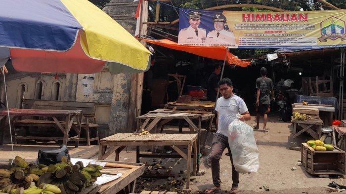 Revitalisasi Taman Sari Mulai 10 Oktober:Pedagang Bongkar Lapak Sambil Meratapi Nasib