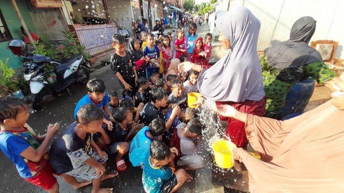 Rebo Wekasan, Tradisi Mandi Tolak Bala dan Asal-usulnya dalam Masyarakat Banten