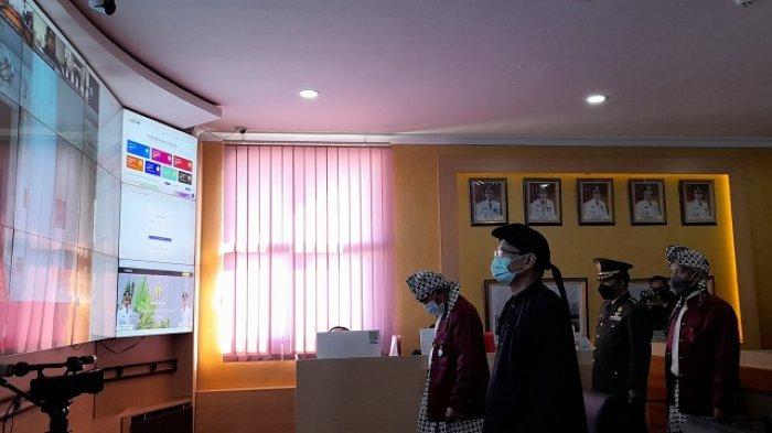 Hari Lahir Pancasila, Begini Gaya Wali Kota Serang saat Ikuti Upacara secara Virtual