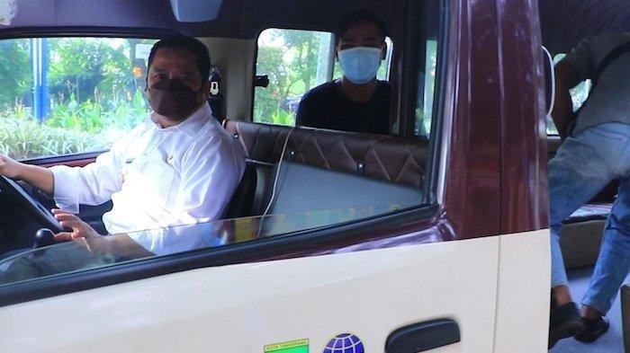 Kisah Wali Kota Tangerang Jadi Sopir Angkot Si Benteng, Bergaya Necis saat Layani Penumpang