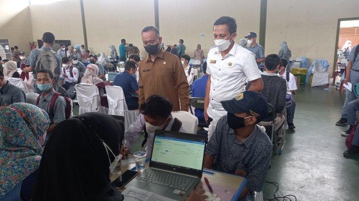 Momen Jokowi Puji Metode PTM di SMKN 1 Cilegon, 90 Persen Pelajar Sudah Divaksin Covid-19