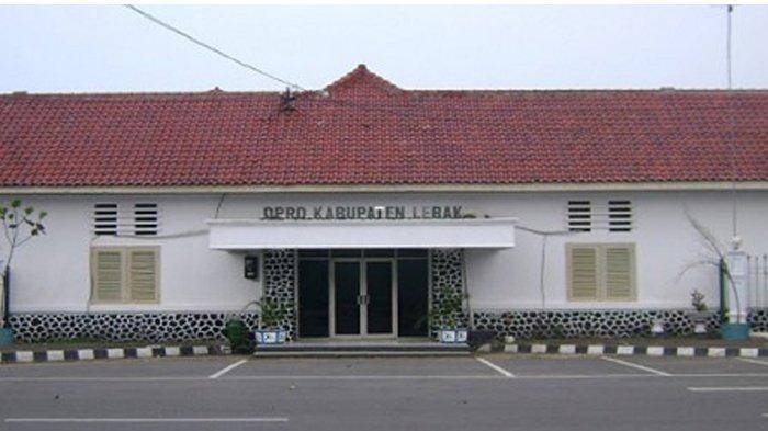 DPRD Lebak Anggarkan Baju Dinas Rp 275 Juta, Legislator: Jauh Lebih Murah dari DPRD Kota Tangerang!