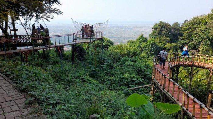 Tempat Wisata Gunung Pinang Kembali Dibuka, Ramai Dikunjungi Wisatawan