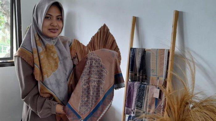 Hijab Etnik Banten Rancangan ketua FBC Serang, Motif Batiknya Sarat Budaya dan Sejarah Banten