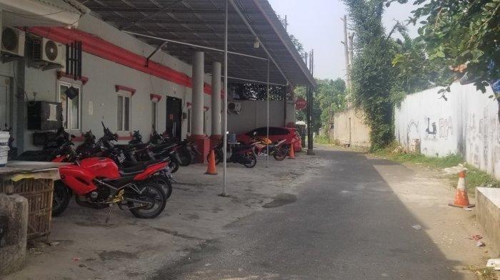 Hotel Alona sudah berganti nama. Hotel yang diduga milik artis Cynthiara Alona yang diduga dijadikan sarang prostitusi di Kecamatan Larangan, Kota Tangerang, Jumat (19/3/2021).