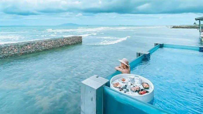 Nikmati Sensasi Menginap di Vila di Atas Laut Aston Hotel Anyer, Ada Private Pool-nya