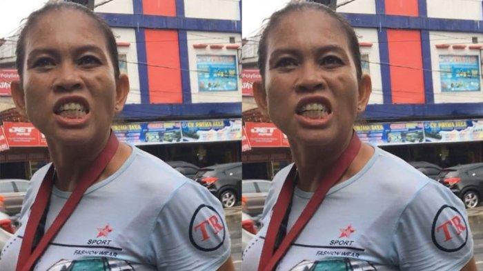 Viral Video Seorang Ibu Malak Uang Parkir Hingga Pukul Kepala dan Berkata Kasar ke Pengendara
