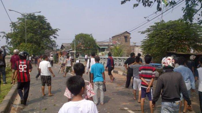 Gara-gara Cekcok Mulut, Dua Kelompok Warga Terlibat Bentrok di Tangerang