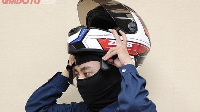 SIMAK! Tips Memilih Helm untuk Cewek dan Cara Merawatnya agar Tak Bau