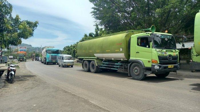 Kemacetan di Jalan Raya Anyer-Cilegon akibat Perbaikan Ruas Jalan, Antrean Kendaraan Capai 500 Meter