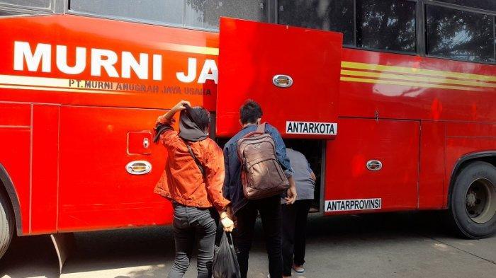 Agen Bus Mengeluh Mulai Banyak Penumpang Batalkan Tiket Perjalanan dari Terminal Pakupatan Serang