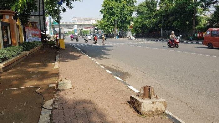 Peduli Pejalan Kaki, Pemkab Tangerang Geser Tiang Lampu PJU di Pedestrian
