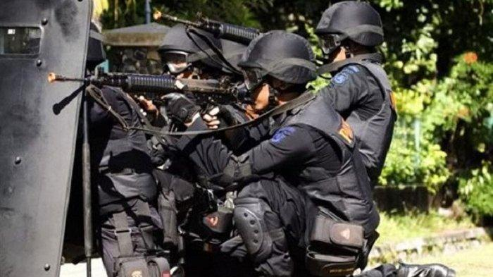 Breaking News Densus 88 Tangkap Terduga Teroris di Tangerang, Penggeledahan Masih Dilakukan