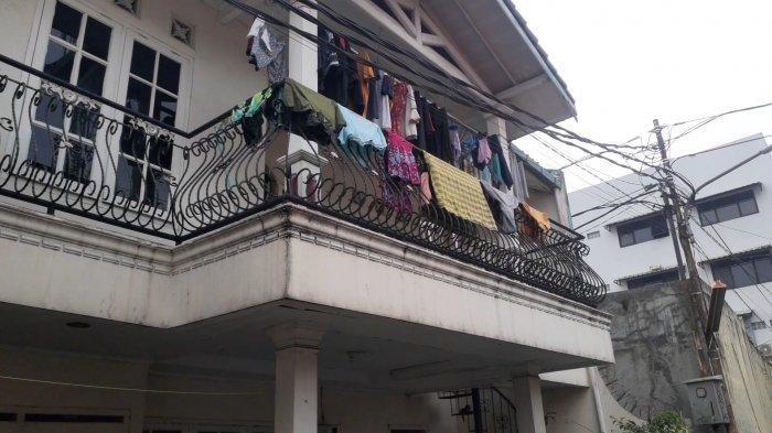 Indekos yang menjadi lokasi penyekapan A, gadis 16 tahun dan dijadikan pekerja seks komersial (PSK) di Ciputat, Tangerang Selatan (Tangsel), Selasa (1/6/2021).