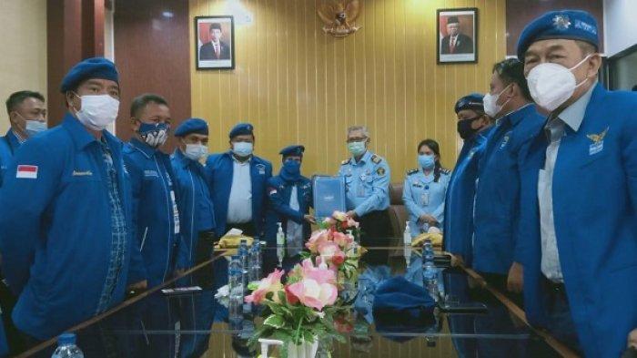 Konflik Demokrat, Iti Jayabaya dan Pengurus Se-Banten Datangi Kemenkumham dan KPU