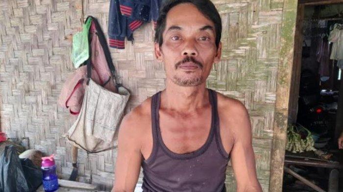 Cerita Warga yang Bantu Membopong Ibu Hamil di Pandeglang: Jalannya Licin dan Punggung Terasa Berat