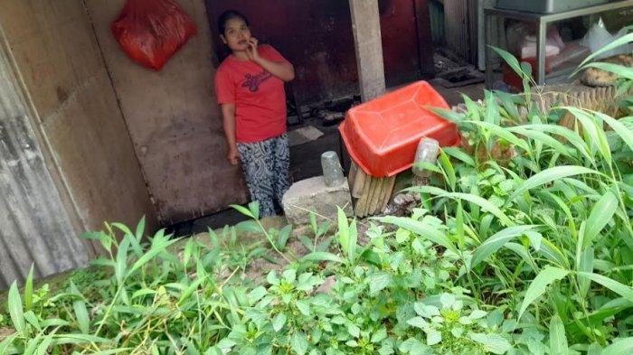 Junariah, warga yang tinggal di dekat Kolam Renang Singandaru