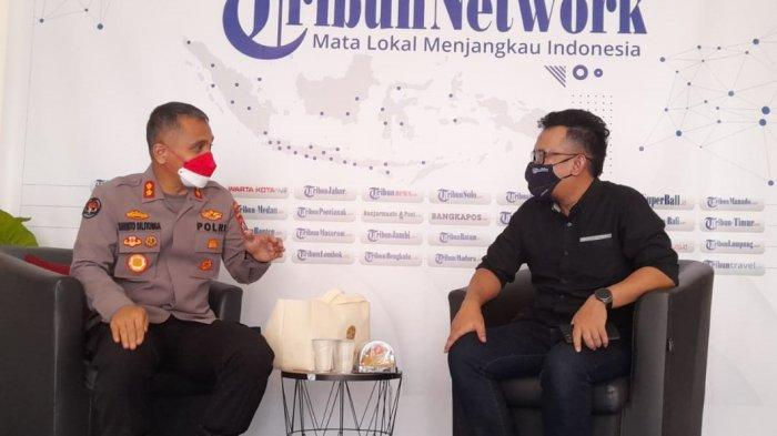 Main Gitar di Redaksi TribunBanten.com, Kabid Humas Polda Banten AKBP Shinto: Orangnya Ramah-ramah