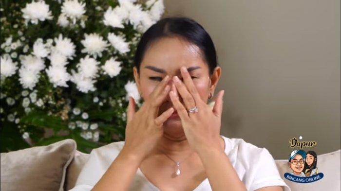 Kalina Menangis Saat Buka Penyebab Batal Nikah dengan Vicky Prasetyo:Apakah Saya Tak Berhak Bahagia?