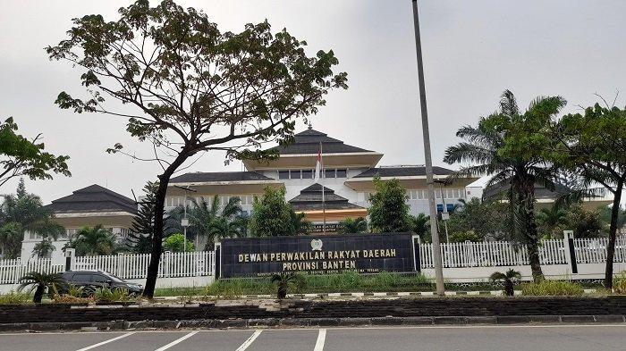 Rapat Anggota DPRD Banten selama PPKM Dilakukan Virtual