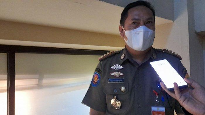 Kepala Satuan Polisi Pamong Praja (Satpol PP) Kota Serang Kusna Ramdani di kantor Diskominfo Kota Serang, Jalan Jenderal Sudirman nomor 25, Sumurpecung, Kota Serang, Selasa (13/7/2021).