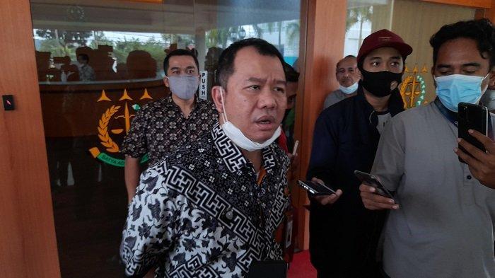 Kasi Intel Kejaksaan Tinggi Banten, Adhiyaksa Darma Yulianto di Kejati Banten, Kota Serang, Jumat (21/5/2021).