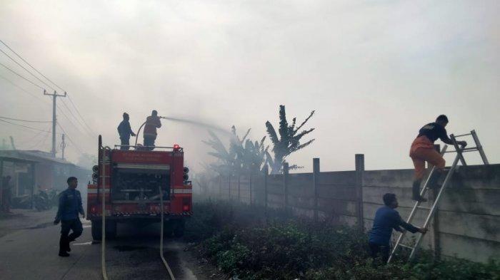 Diduga Warga Membakar Sampah, Api Membesar dan Menjalar ke Lahan Kering di Kibin
