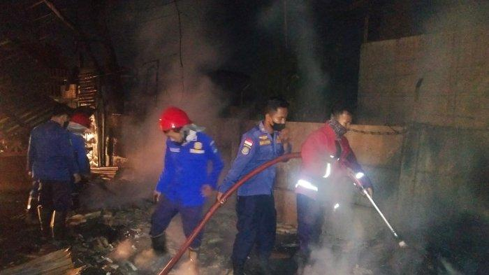Ditinggal Pemilik, Bengkel dan Gudang Forklift Ludes Terbakar di Cikande