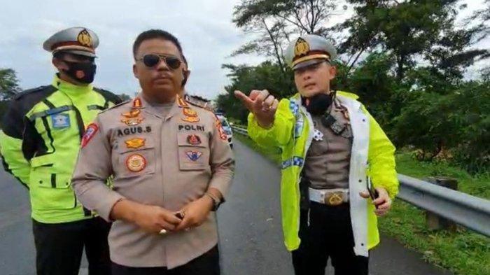 Polisi menjelaskan kronologi awal kecelakaan beruntun di Km 428 Tol Semarang-Solo, tepatnya Kelurahan Susukan, Kecamatan Ungaran Timur, Kabupaten Semarang, Senin (4/1/2021) sore. Salah satu korban diduga personel Trio Macan.