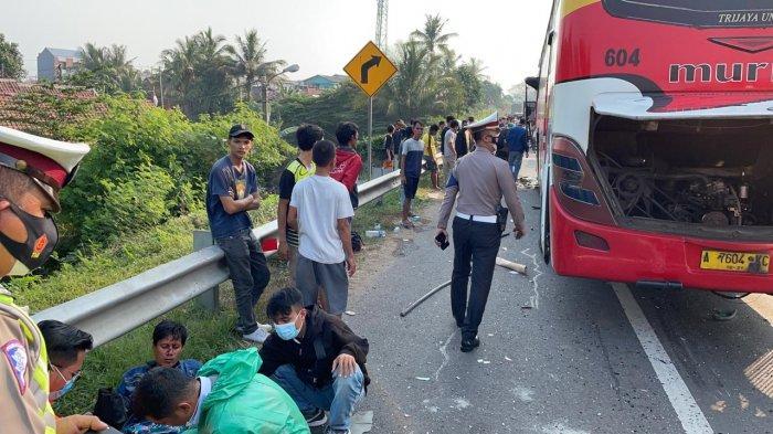 Kronologi Bus Murni Tabrak Arimbi di Tol Tangerang-Merak KM 56, 8 Orang Dibawa ke RS