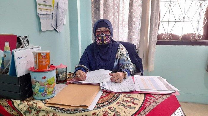 Kepala Bidang Rehabilitasi Sosial Dinas Sosial Kota Serang, Wiwi Laras Wijayanti di kantornya, di Jalan KH Sulaeman Kelapa Dua, nomor 20, Kota Serang, Banten. Jumat (19/3/2021).