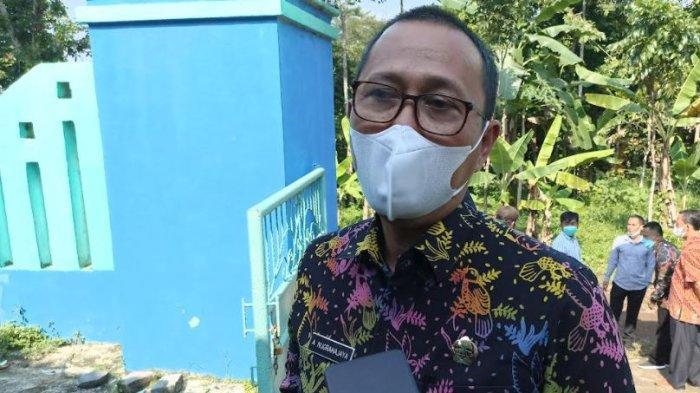 Kepala Dinas Pendidikan dan Kebudayaan Kabupaten Serang, Asep Nugrahajaya saat ditemui di SMPN 2 Tunjung Teja, Kamis (30/9/2021).
